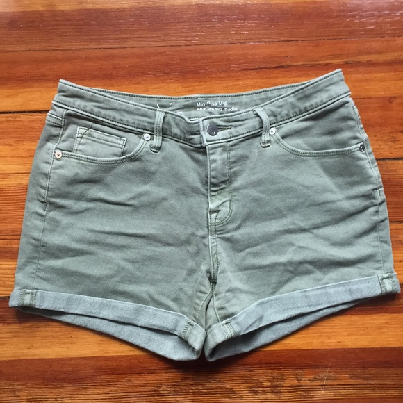 Mossimo Supply Co. Pants - Olive Green Mid Rise Midi Shorts